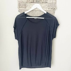 vince navy rayon relaxed fit tee size small